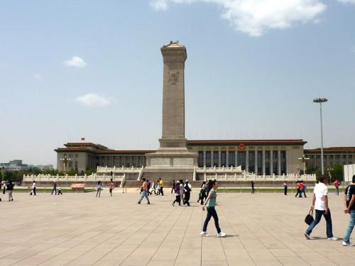 Monument voor de Helden van het Volk op het Plein van de Hemelse Vrede
